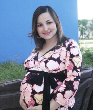 <b>22 de abril </b><p> Lorena Verdeja Chaib disfrutó de una fiesta de canastilla.