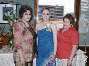 Verónica Morales de Rivas y María del Rosario Lugo de Salazar le ofrecieron una despedida de soltera a María Abril Rivas Morales.
