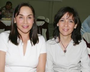 Lupita de Barrios y Cristina de Arroyo.