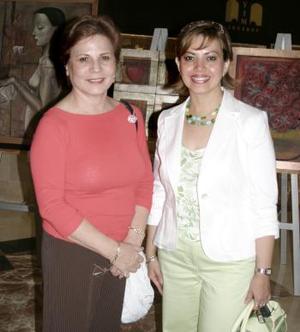 Nury de Ramos y Mirthala de Aguiñaga.