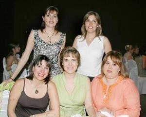 <b>21 de abril</b><p> Luz María, Mirita, Bárbara, Marcela y Verónica.