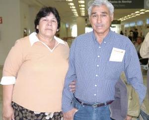 <b>23 de abril</b><p> Rosa María Soto y Aurelio Adame viajaron a Tijuana