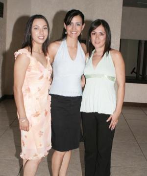 Yenssí Alonso, Marcela Romo y Diana Barrios.