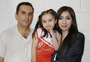 Ramiro Díaz y Mónica de Díaz le organizaron una divertida reuni÷on infantil a su pequeña Natalia Díaz López por sus cuatro años.