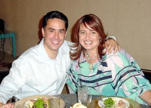 Guillermo Anaya Llamas y su esposa, Mayte Aguirre de Anaya.