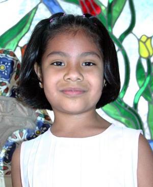 <b>24 de abril </b> <p> Viridiana Borjas Padilla, captada el día  que fue festejada por su cumpleaños