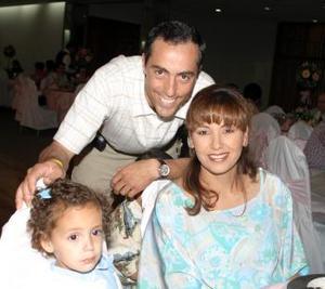 Alejandro, Pame y Ana Carmen Gómez.
