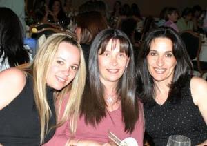 Alejandra Reed, Alejandra Serhan de Reed y y Estela Serhan de Salmón.