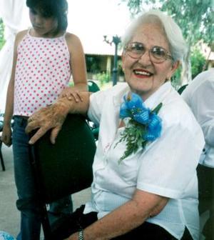 Doña Elvira de Herrera captada en el festejo que celebraron en su honor.