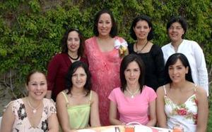 Con motivo de su cumpleaños, Sara de los Santos Rodríguez fue festejada con un agradable convivio.