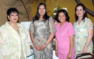 <b>24 de abril </b><p> Una fiesta de canastilla le orgaizaron a Cristina Macías de Hernández las señoras Lupita Macías, Conny  de Macías, Nena de Campero y Ana Isabel  de Montés
