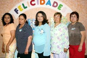 <b>25 de abril </b><p> Yadira Arteaga Gallardo en su fiesta de canastilla, organizada por Conny Meza de Arteaga, Laura Alicia Gallardo de Ortiz y Cristina G