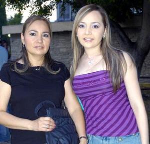 Natalia González y Fany Macías.