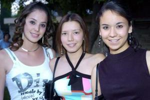 Sandra Hernández, Martha de Hernández y Fabiola Ramos.