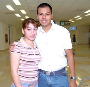 Juan Carlos de Jesús Mejía viajó a Miami y fue despedido por Nancy Castillo.