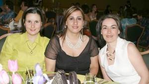 <b>27 de abril</b><p> Sofía de Guridi, Viole García y Mariana López.
