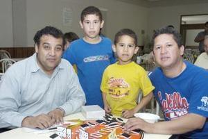 Carlos, Eduardo, Ángel y Jorge.