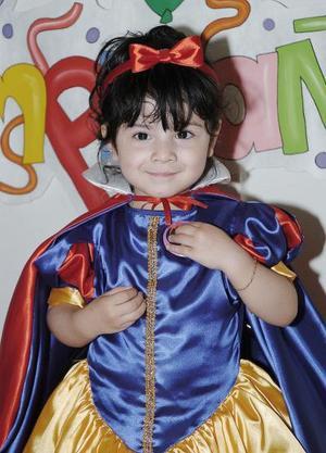 Carla Montserrat Solís Sotomayor captada el día de su fiesta de cumpleaños.