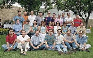 29 de abril  Integrantes de la generación 79-85 afinan detalles rumbo al 20 aniversario de su graduación.