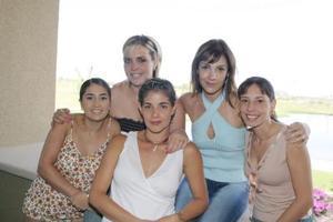 Angélica Zarzúa, Laura Urrea, Lula Correa, Sandra Peláez, y Fabiola Caran en su reunión mensual.
