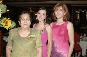 29 de abril  Alfa Leija de García y Dulce Lorena de Ávila de Cabral le ofrecieron una despedida de soltera a Ana Laura Cabral de Ávila.