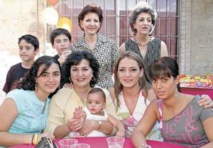 Miriam y Vivian Tafich, Beto y Rosana Lamadrid, Ricky y Rosana Tafich, Marianne Garnier, Marlene Issa y Lorena Armendáriz
