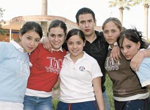 Julia Medina, Mariana Lozano, Marcela Jaime, Edwin Quintero, Mary Carmen Betancourt y Paulina Aldaba