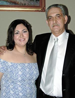Katryn Kort y su padre Gabriel Kort Abularach