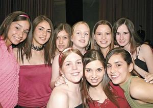 Paulina, Mariana, Mariel, Emma, Mariana, Marcela, Isabel, Natalia y Mariana