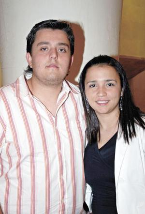 Jorge Pérez Casas y Lorena Castañeda
