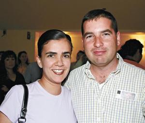 <I>SE PRESENTA OBRA EL GRADUADO</I><P>Cynthia Sleiman de Jiménez y Javier Jiménez