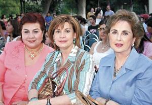 Peggy de Issasi, Nuri de Murra y Licha de Mena
