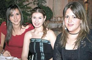 Erika Aguilar, Daniela Villalobos y Becky Mijares
