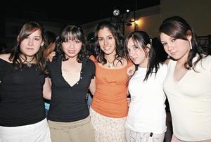 Luisa Díez, Ana Tere Ramos, Krissya Murra, Mony Alba y Bety Huitrab