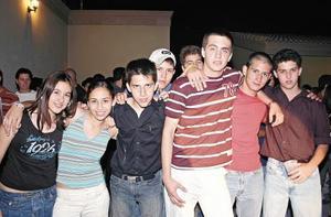 Erandi Fuentes, Geo Ganem, Luis Galán, Rodrigo Sandoval, Memo Jiménez, Ricardo Jiménez y Guillermo Dávila