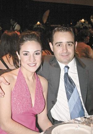 Paola Pámanes y Pedro Fernández