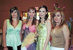 Arlette de Ortiz, Scarlette de Franco, Claudia Rosas y Violeta Ayup