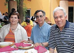 Beatriz Villarreal de Meza, Presbitero Tobías de la Torre y José Luis Meza Sepúlveda