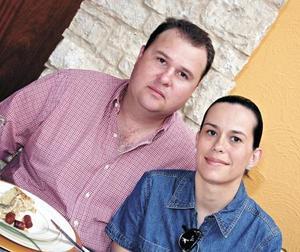 Miguel Ángel Ávalos y Lily de Ávalos