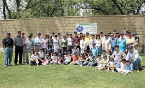 <I>CONVIVENCIA FAMILIAR</I><P> Todos los asistentes de la reunión Villarreal González