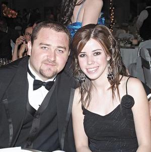 Aris Papadópulos y Yossy Landeros