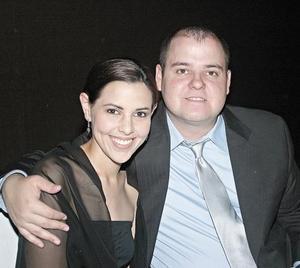 Mónica Tatai de Villalobos y César Villalobos