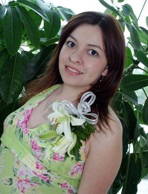 <b>01 de mayo </b> <p> Adriana Hinojosa Dávalos fue despedida de su soltería.