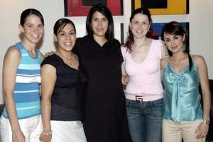 -Begoña de Sada, Martha González, Marcela Pereyra y Nancy Perrella le ofrecieron una fiesta de canastilla a Ana Lorena Chávez