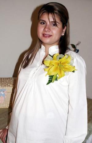 Una fiesta de canastilla le ofrecieron a  Cinthia Covarrubias