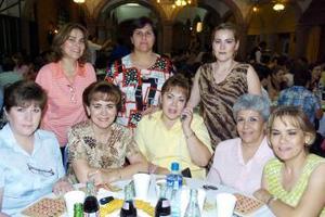 Cecilia Gutiérrez, Carmen de Zúñiga, Lourdes de Hernández, Ale de Gómez, Silvia de Gómez, Martha Favela, Lupita de Faudoa y Maruca Faudoa.