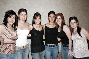 Con motivo  de su próximo  viaje de estudios a North Dakota, EU,Alejandra Vara disfrutó de una fiesta acompañda por sus amigas Mónica, Vica, Lizette, Paulina y Maye.