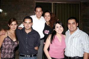 Maribel Díaz Garza y Rafael Ramírez García contraerán matrimonio en breve, por lo que les organizaron una fiesta de despedida.