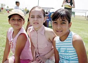 Ana Patricia Díaz Flores, Andrea Daniela Román y Jimena Jaramillo..