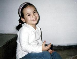 -Ana Paula Guerra López, captada en reciente festejo; es hija de Sergio Guerra y Rosa López.